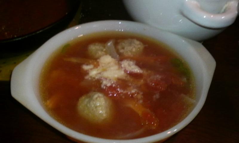 歯ごたえを楽しむ♪ミートボールのトマトスープ