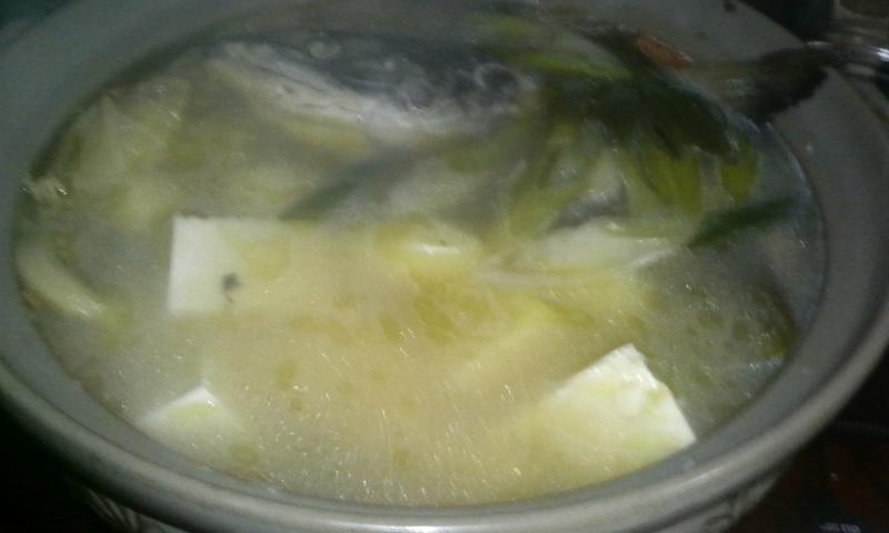 新巻鮭をさばいたら♪アラ汁