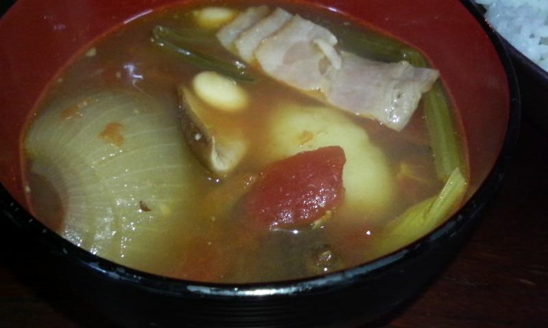 干し椎茸とトマト・大豆のスープ