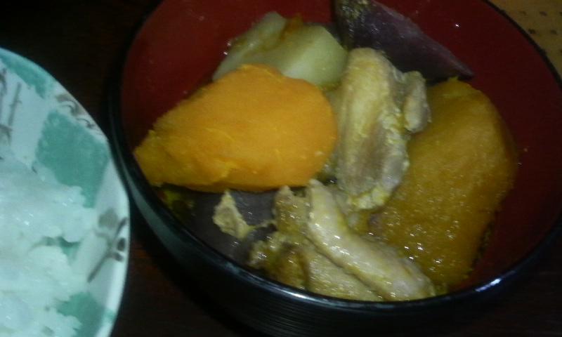 3種の芋と鶏肉の煮物