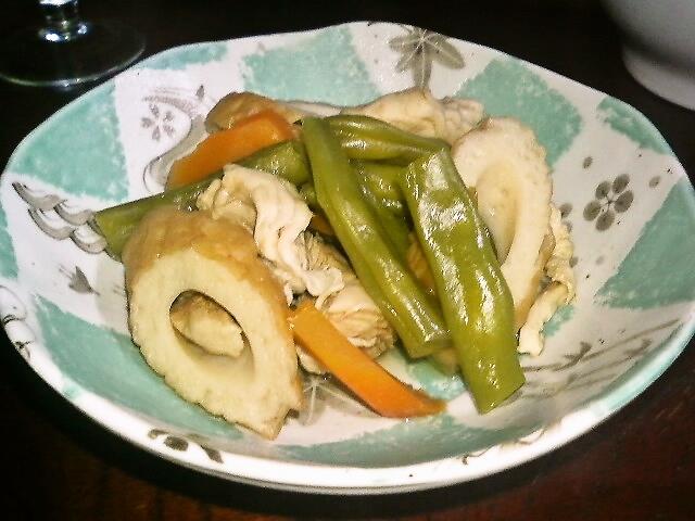 冷凍インゲンと、ゆで鶏でささっと♪いんげん、ちくわと、ささ身の煮物